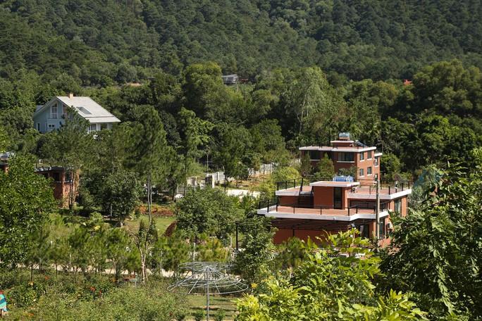 Hà Nội lại có chỉ đạo mới việc cưỡng chế 18 công trình vi phạm đất rừng Sóc Sơn - Ảnh 1.