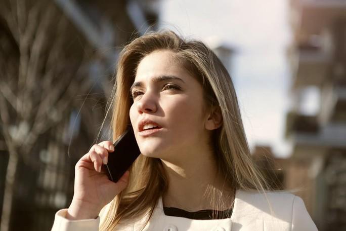 Điện thoại di động thật sự gây 3 loại ung thư nguy hiểm? - Ảnh 1.