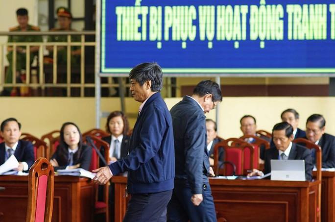 Ông Phan Văn Vĩnh cùng các ông trùm đối mặt với mức án nào hôm nay? - Ảnh 2.