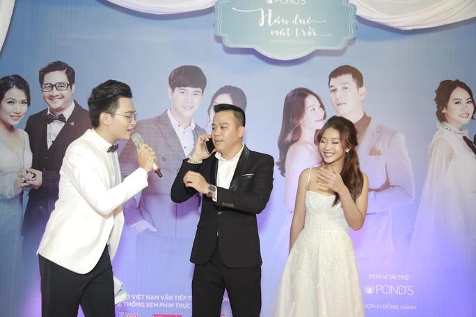 Rộn rã tiếng cười trong đám cưới tập thể Hậu duệ mặt trời Việt - Ảnh 6.