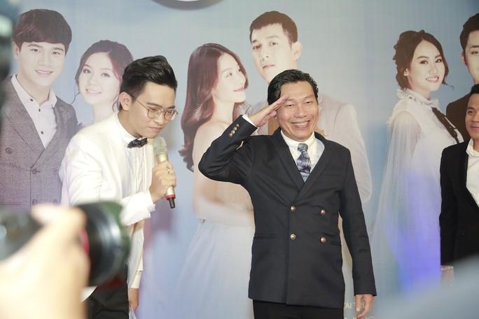 Rộn rã tiếng cười trong đám cưới tập thể Hậu duệ mặt trời Việt - Ảnh 10.