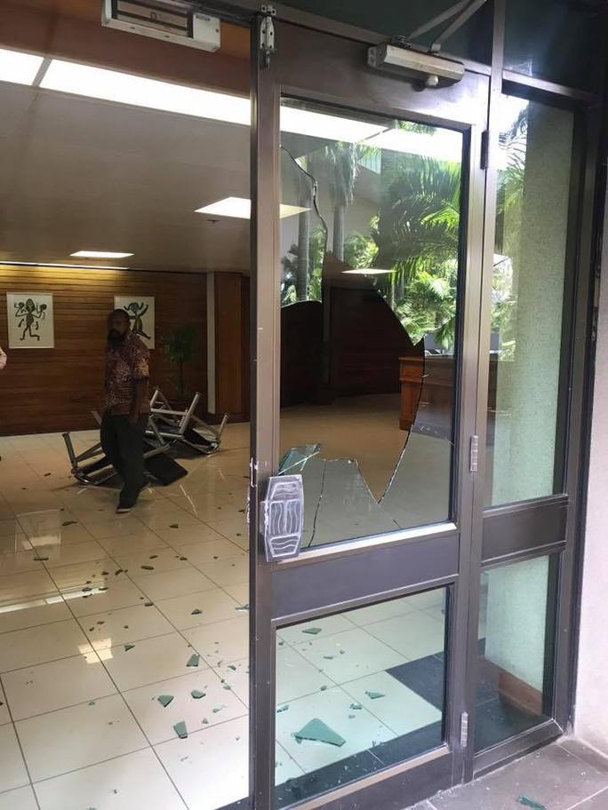 Papua New Guinea: Hàng trăm nhân viên an ninh đập phá đòi tiền hậu APEC - Ảnh 1.