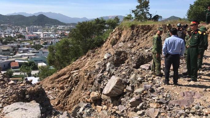 Đình chỉ dự án liên quan vụ lở đất gây chết người ở Nha Trang - Ảnh 1.