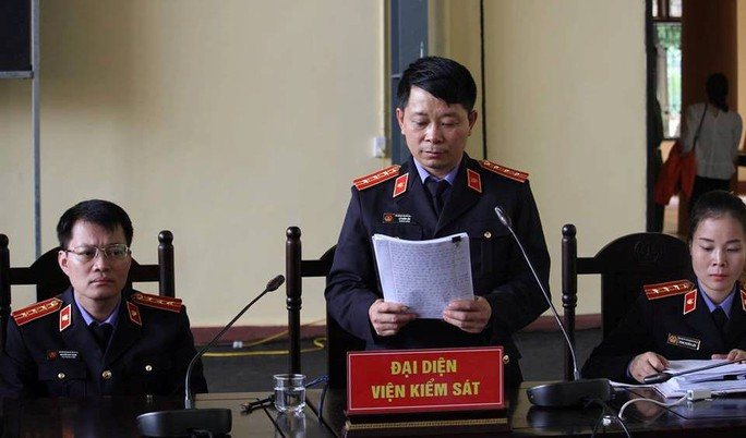 Ông Phan Văn Vĩnh bị đề nghị 7-7,5 năm tù; ông trùm Nguyễn Văn Dương 11-13 năm tù - Ảnh 2.