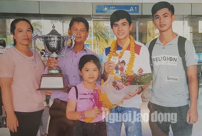 Gia đình khẳng định nhà vô địch boxing nữ châu Á 2018 Đổ Hồng Ngọc là nữ - Ảnh 7.