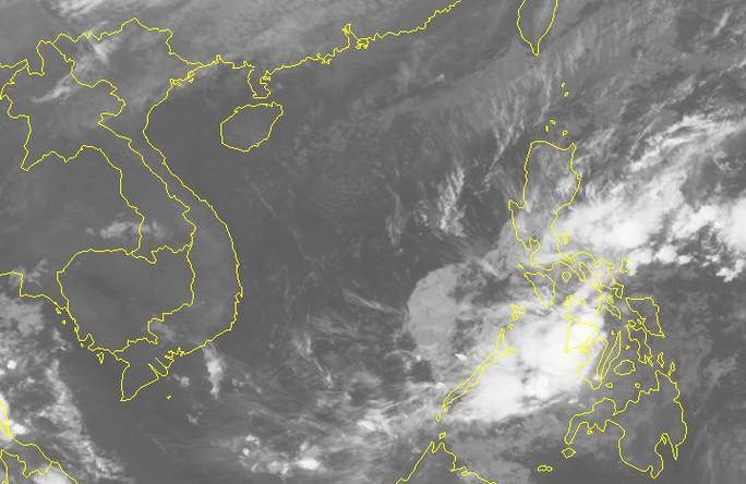 Áp thấp nhiệt đới sẽ mạnh thành bão giật cấp 12, tăng tốc vào Nam Trung bộ - Ảnh 2.