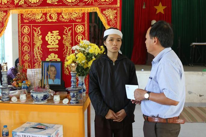 Báo Người Lao Động chia sẻ nỗi đau người dân chịu thảm họa ở Nha Trang - Ảnh 4.