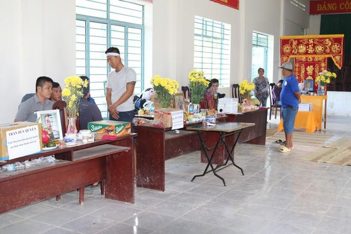 Báo Người Lao Động chia sẻ nỗi đau người dân chịu thảm họa ở Nha Trang - Ảnh 1.