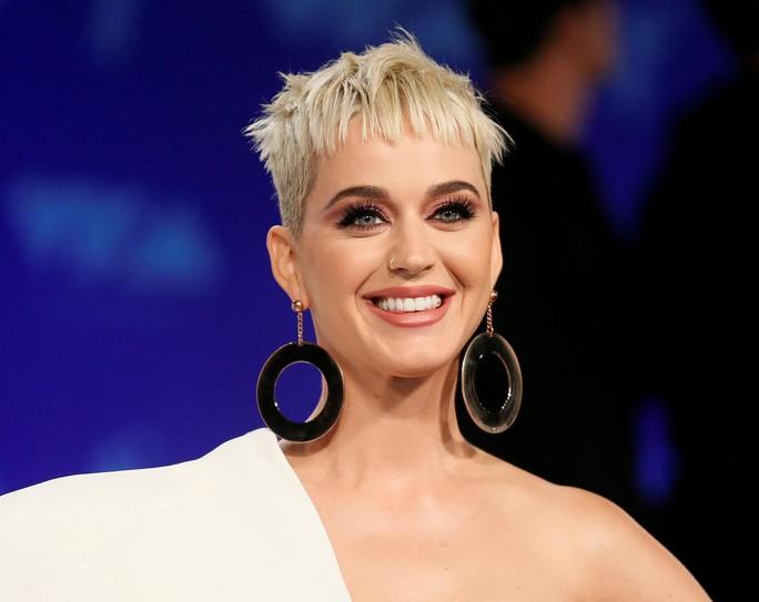 Katy Perry đánh bại Taylor Swift và Rihanna về thu nhập - Ảnh 1.