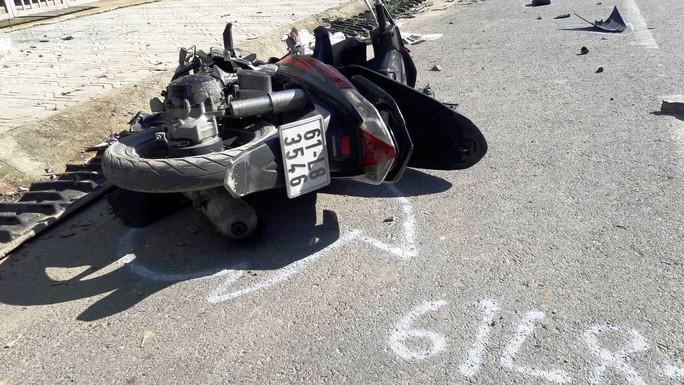 Xe điên gây tai nạn liên hoàn, 3 người thương vong - Ảnh 2.