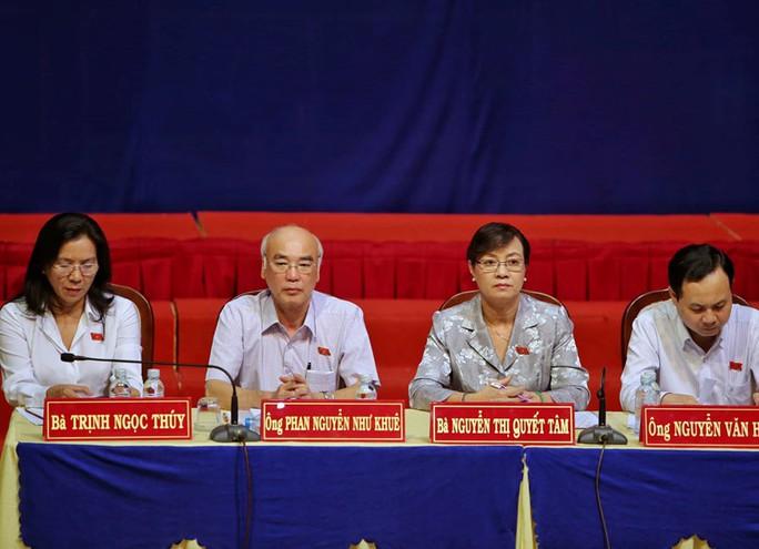 Tổ đại biểu Quốc hội và HĐND TP HCM tiếp xúc cử tri quận 2 - Ảnh 1.