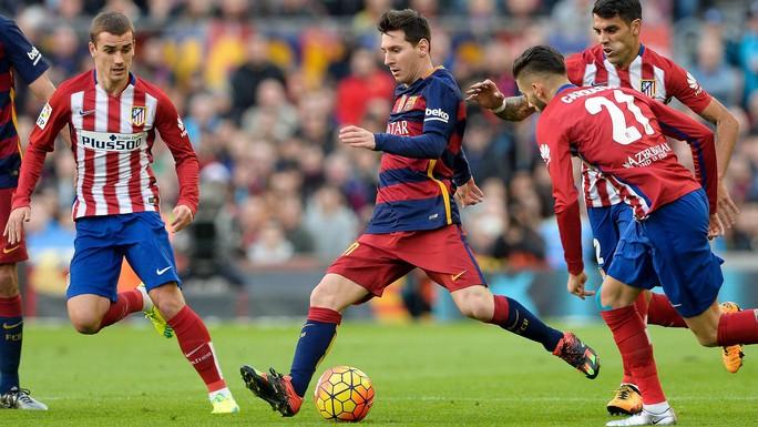 Atletico Madrid - Barcelona: Thủ chắc đấu công cường - Ảnh 1.