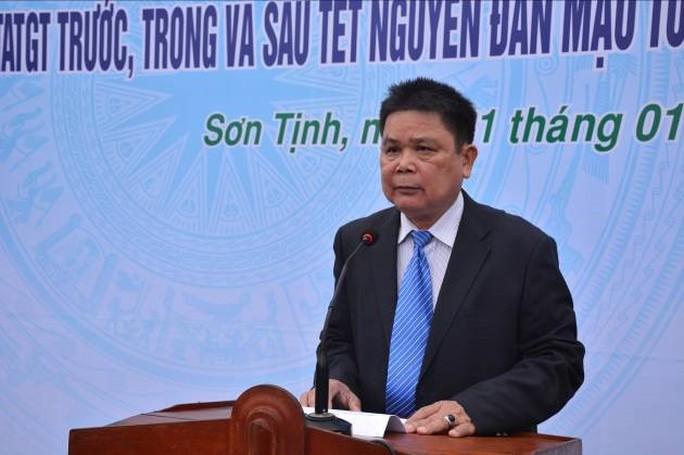 Chủ tịch huyện tự ý làm đường cho doanh nghiệp rớt chức Chủ tịch HĐND huyện - Ảnh 1.