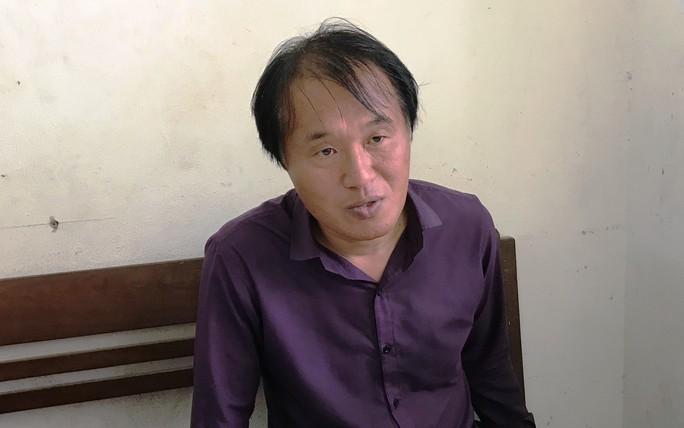 Du khách Hàn Quốc cướp tài sản tài xế taxi, vì đánh bạc thua sạch tiền - Ảnh 1.