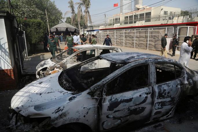 Pakistan: Lãnh sự quán Trung Quốc bị tấn công, 7 người chết - Ảnh 3.