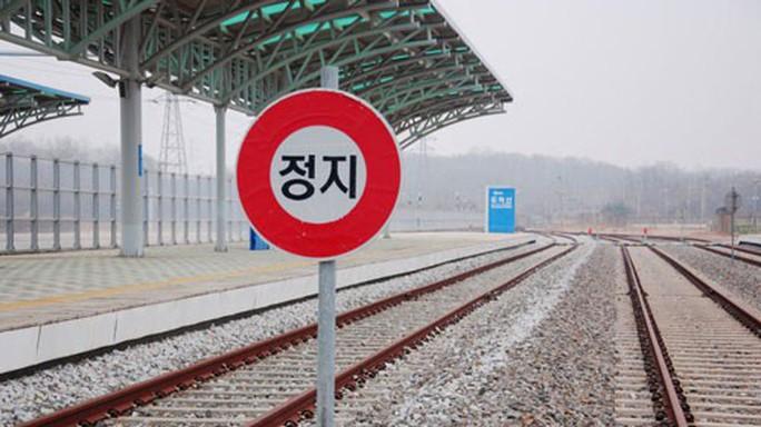 Liên Hiệp Quốc bật đèn xanh cho khảo sát đường sắt Triều Tiên - Ảnh 1.