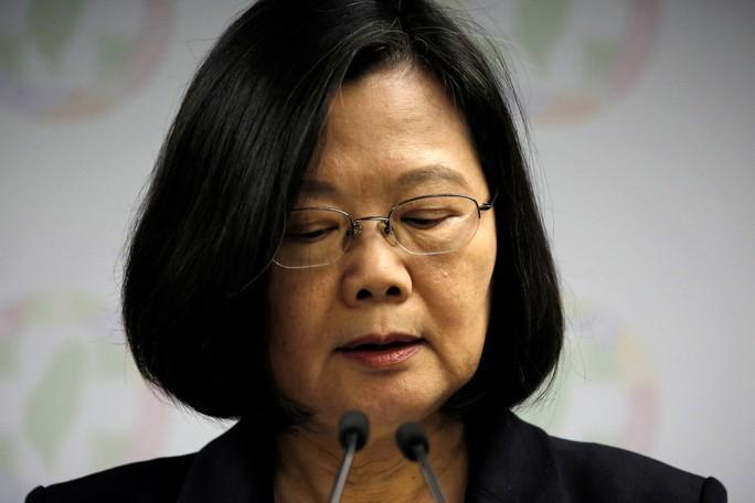 Bà Thái Anh Văn từ chức lãnh đạo đảng cầm quyền Đài Loan - Ảnh 2.