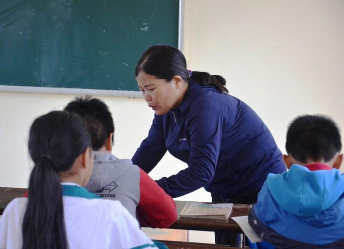 Công an khởi tố vụ cô giáo chỉ đạo cả lớp tát học trò 231 cái - Ảnh 1.
