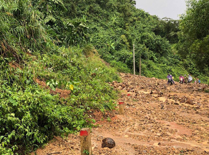 Khánh Hòa: Cầu sập, cô lập nhiều nơi do ảnh hưởng bão số 9 - Ảnh 3.