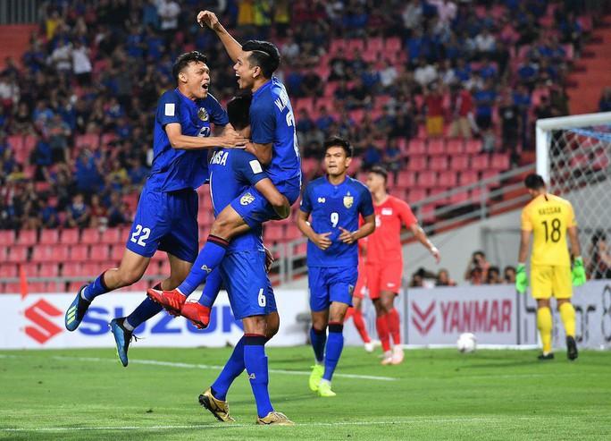 Clip: Thái Lan đánh bại Singapore, dắt tay Philippines vào bán kết AFF Cup - Ảnh 6.