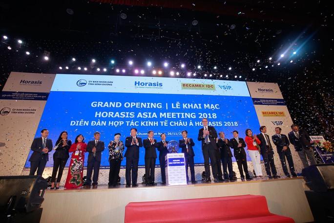 Lãnh đạo và CEO của 60 quốc gia bàn hợp tác kinh tế - Ảnh 1.
