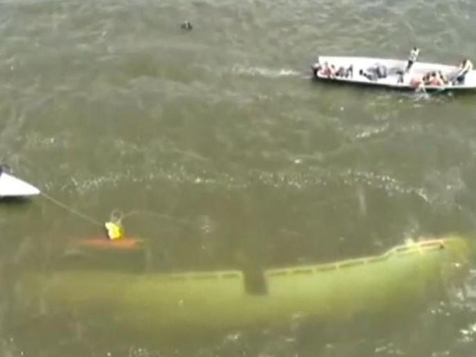 Bị chìm thuyền lúc ăn tiệc, 31 người thiệt mạng - Ảnh 3.