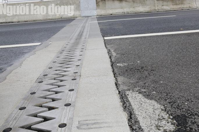 Cận cảnh hằn lún trên đường cao tốc Đà Nẵng – Quảng Ngãi - Ảnh 4.