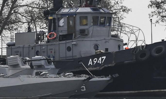 Nga chuẩn bị buộc tội thủy thủ Ukraine trên 3 tàu bị bắt - Ảnh 1.