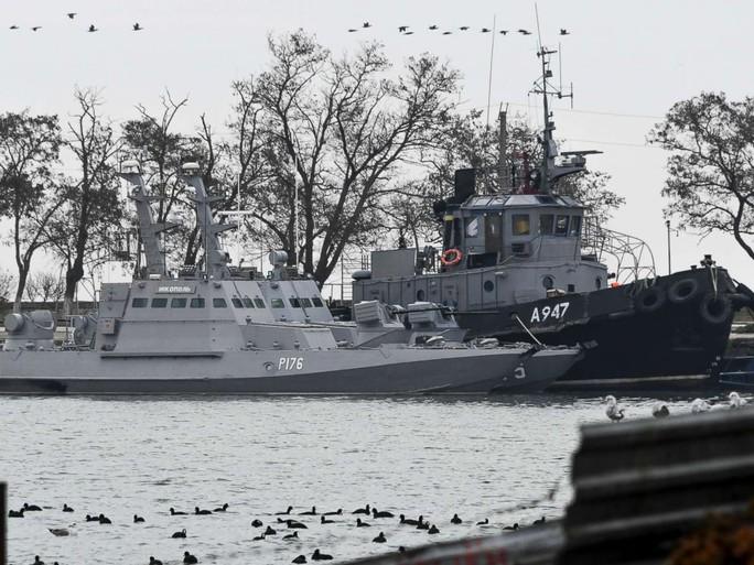 Nga tung video thú nhận sự thật của thủy thủ tàu Ukraine? - Ảnh 1.
