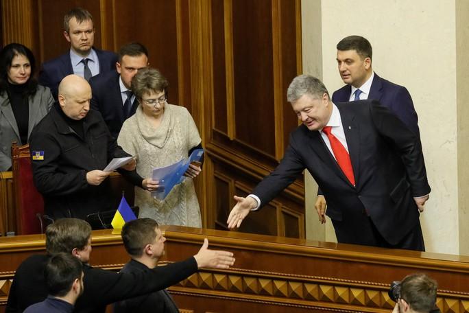 Ukraine cảnh báo mối đe dọa chiến tranh toàn diện với Nga - Ảnh 1.