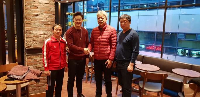 Lý Tiểu Long Hàn Quốc tinh thông 15 môn võ đến Việt Nam huấn luyện - Ảnh 1.