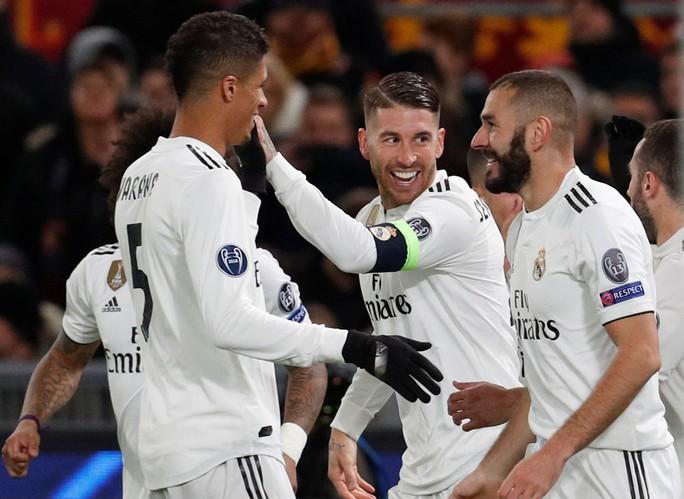 Bayern Munich, Real Madrid cứu ghế HLV, vượt vòng bảng Champions League - Ảnh 7.