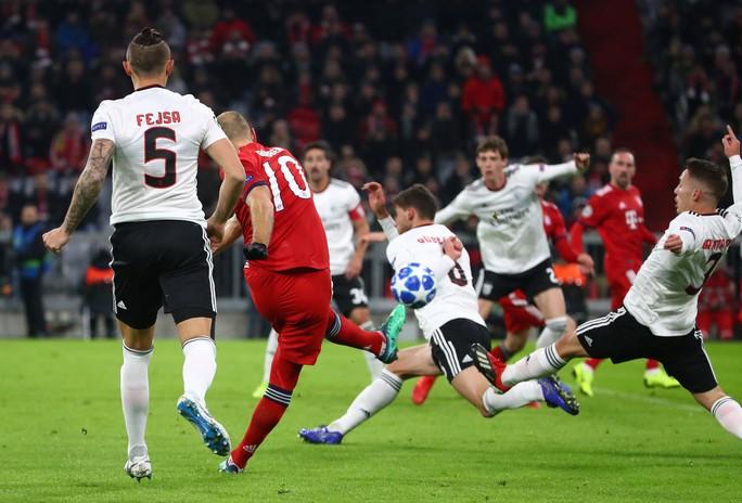 Bayern Munich, Real Madrid cứu ghế HLV, vượt vòng bảng Champions League - Ảnh 1.