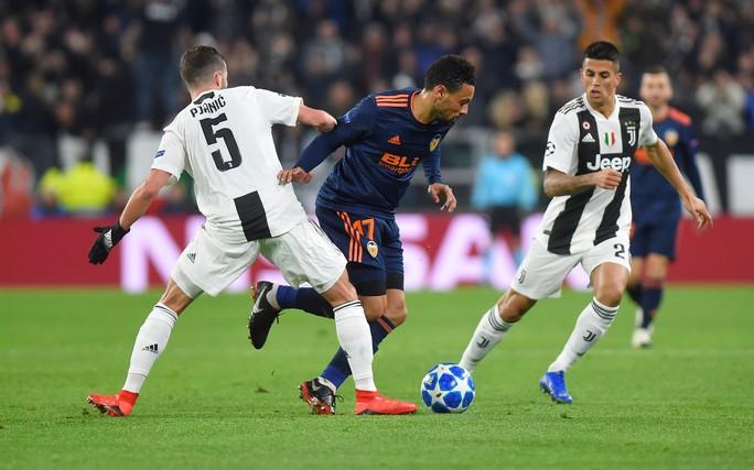 Cứu tinh Fellaini đưa Man United vượt vòng bảng, Ronaldo hoá người hùng Juve - Ảnh 5.