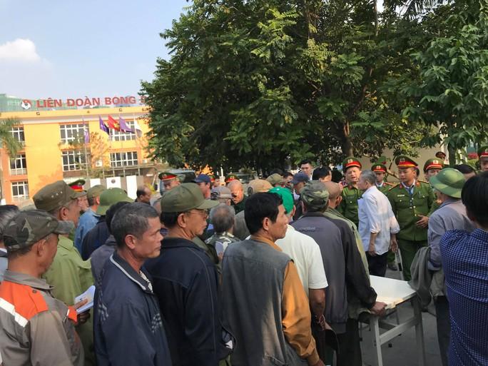 Tổng thư ký VFF lên nói về được và chưa được bán vé online trận Việt Nam - Philippines - Ảnh 1.