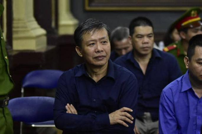 """Ông Trần Phương Bình """"biếu không"""" 1.200 lượng vàng cho cựu điều tra viên - Ảnh 1."""