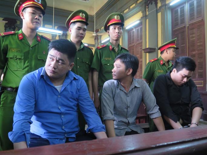 Đề nghị tử hình kẻ đâm chết 2 hiệp sĩ ở đường Cách Mạng Tháng 8 - Ảnh 1.