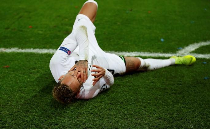 Neymar đắt giá nhất thế giới, PSG và Barcelona gánh khoản thua lỗ thế kỷ - Ảnh 3.