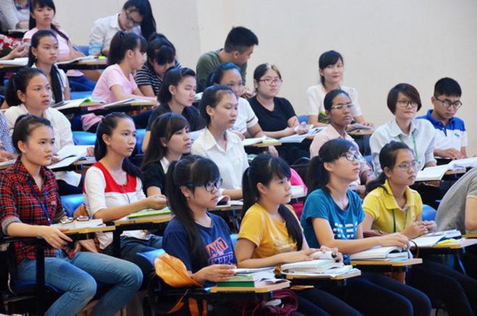 Đề xuất không miễn học phí cho sinh viên sư phạm - Ảnh 1.