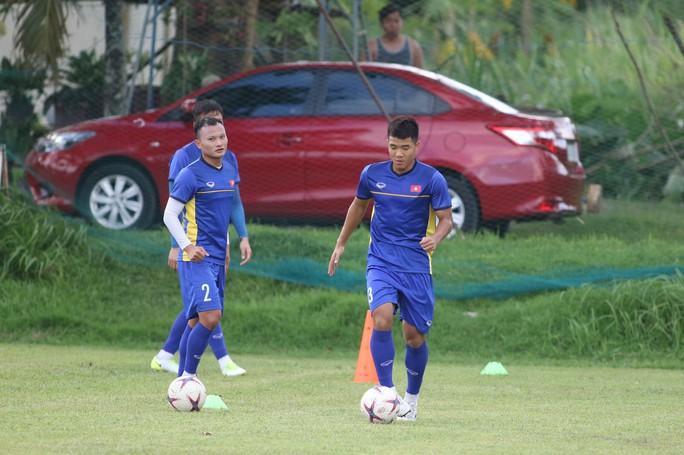 HLV Park Hang-seo gọi 37 cầu thủ, vẫn có Hà Đức Chinh - Ảnh 1.