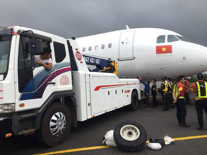 Báo cáo Thủ tướng sự cố nghiêm trọng khi máy bay hạ cánh - Ảnh 3.