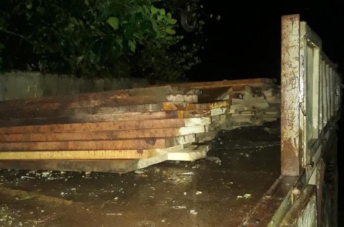 Giám đốc thủy điện Sông Tranh 3 cất giấu cả kho gỗ rừng - Ảnh 3.