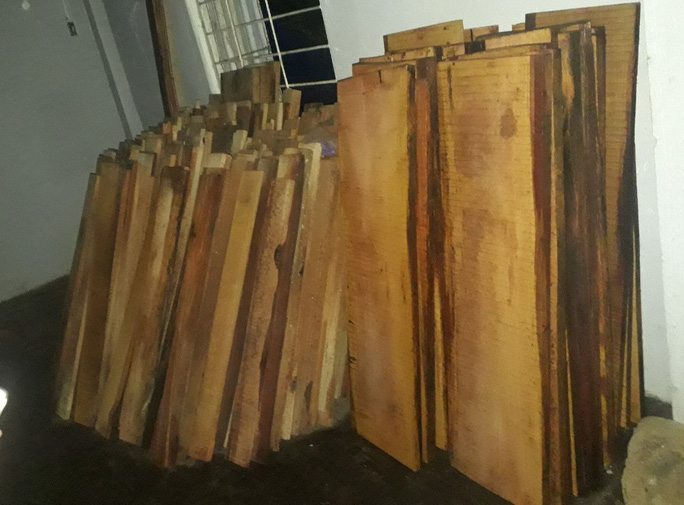 Giám đốc thủy điện Sông Tranh 3 cất giấu cả kho gỗ rừng - Ảnh 2.
