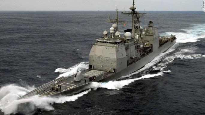 Tàu tuần dương Mỹ tới gần Hoàng Sa thách thức Trung Quốc - Ảnh 1.