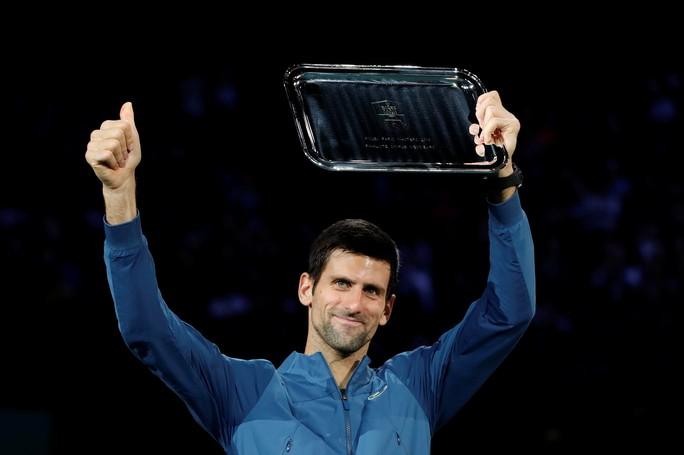 Video: Đuối sức, Djokovic để Khachanov tạo địa chấn ở Paris - Ảnh 5.