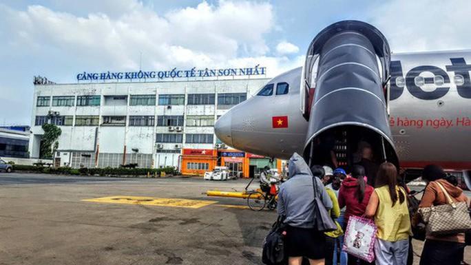 Máy bay Jetstar phải huỷ chuyến bay tối vì sân bay Tuy Hòa đóng cửa - Ảnh 1.