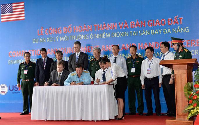 Hoàn thành tẩy độc dioxin tại sân bay Đà Nẵng - Ảnh 3.