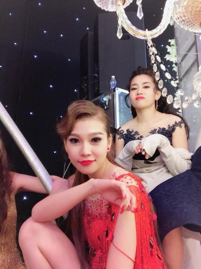 Diễn viên Mai Phương trở lại sân khấu dù đang trị bệnh - Ảnh 3.
