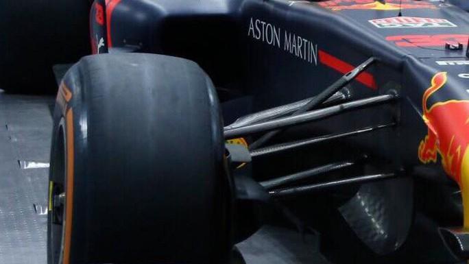 Choáng với giá trị siêu xe đua F1 xuất hiện tại Hoàng thành Thăng Long - Ảnh 7.