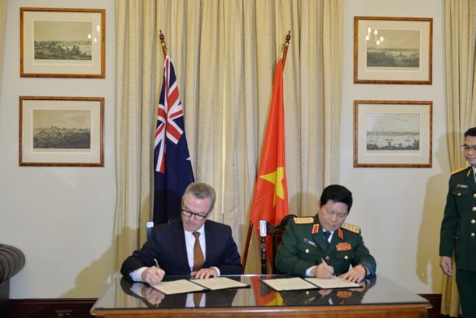 Việt - Úc bàn tăng cường hợp tác an ninh hàng hải - Ảnh 2.